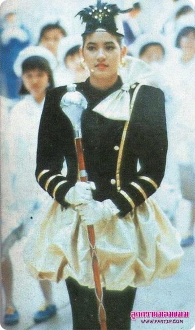 นักกิจกรรม สาวสวย ดรัมเมเยอร์ บันเทิง ดารา นักแสดง ฉายแววดัง ตัวแทนโรงเรียน