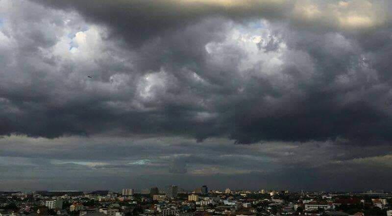 พายุ ฝนตก ฤดูร้อน
