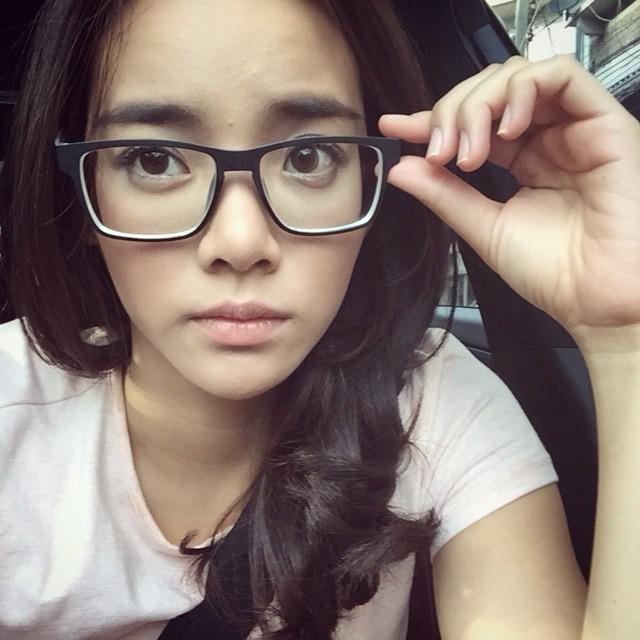 ดาราใส่แว่น,ดารา,สายตาสั้น,ดาราสายตาสั้น