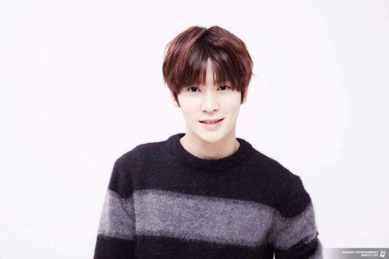 K-Pop Siwon T.O.P Minho Sehun G-Dragon Taeyong Baekhyun Kai