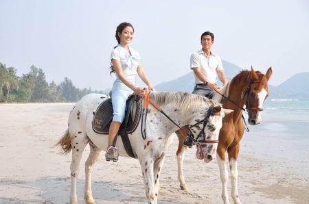 ดารา บันเทิง กิจกรรม ขี่ม้า งานอดิเรก นักแสดง ละคร กีฬา สง่างาม