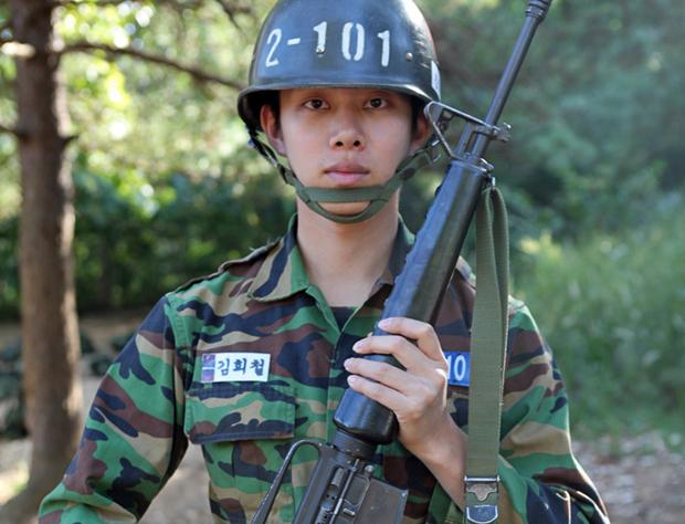 ชุดเครื่องแบบ ดาราใส่เครื่องแบบ ไอดอลเกาหลี  K-Pop บันเทิงเกาหลี ดาราเกาหลี ศิลปินเกาหลี