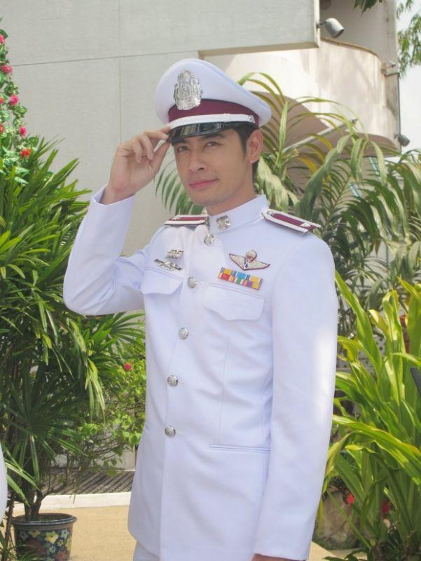 #วันทหารผ่านศึก ออร่าจับ ดาราชาย นักร้องชาย รับใช้ชาติ ทำหน้าที่เพื่อชาติ