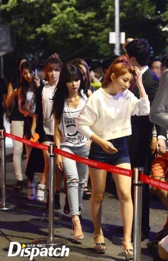 ไอดอลเกาหลี เข้าผับ ไม่แคร์สื่อ บันเทิง ศิลปิน นักร้อง เที่ยวผับ ร้านเหล้า นักร้อง ดนตรี ปาร์ตี้