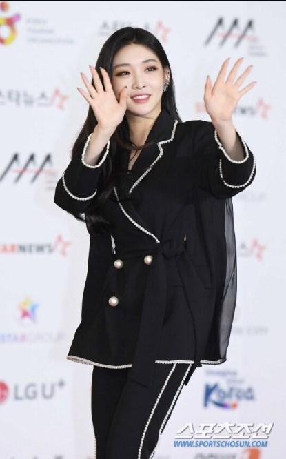 AAA2018 idol kpop GOT7 wannaone iKON