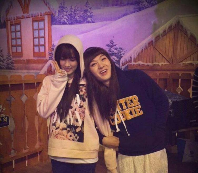 Chorong วง Apink และ Changsub วง BTOB