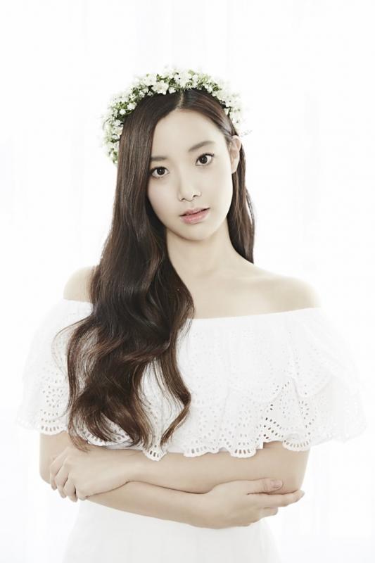 Hyunjoo (April)
