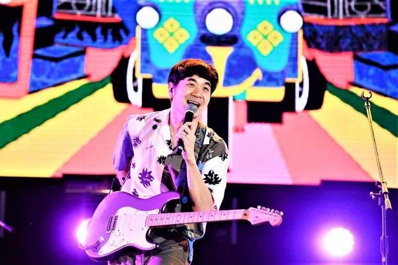 คอนเสิร์ต นักร้อง