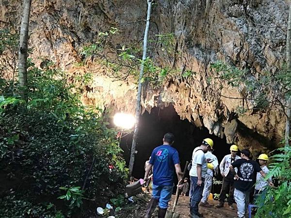มะเดี่ยว ภาพยนตร์ หนัง The Cave ถ้ำอสูร ถ้ำหลวง