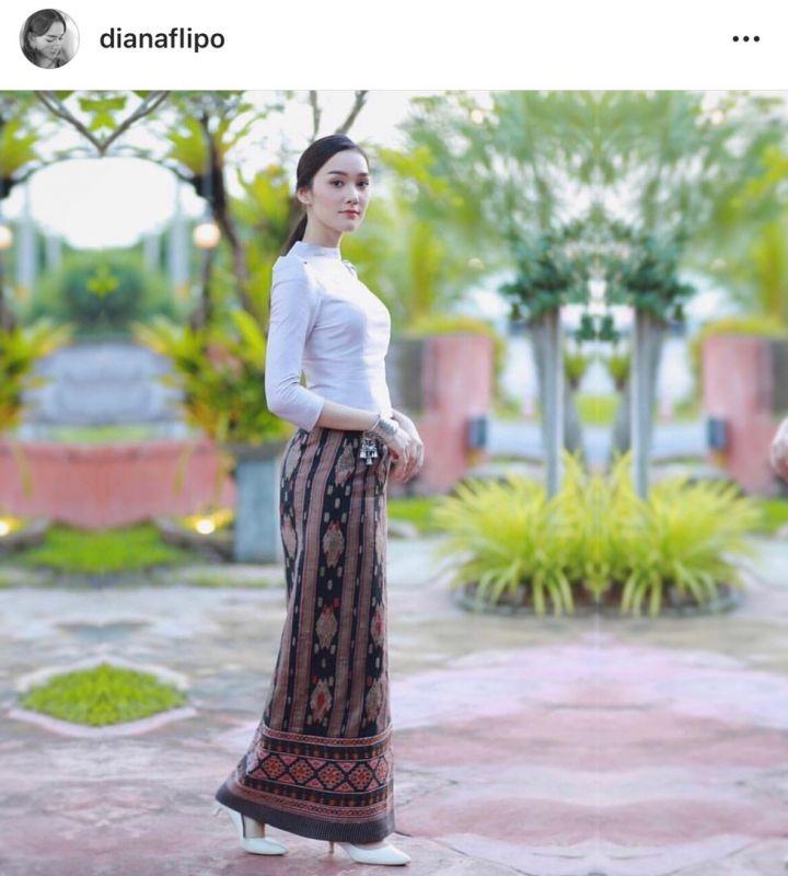 เดียร์น่า ชุดไทย ผ้าไหม