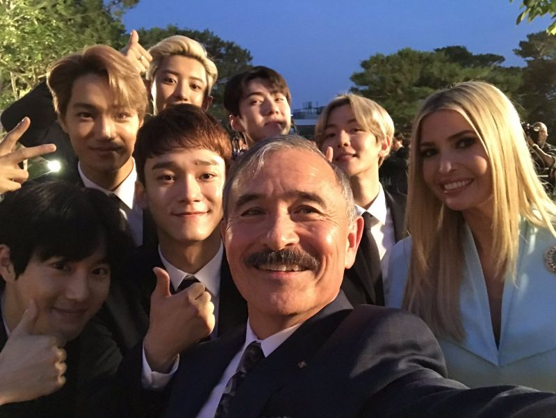 EXO ต้อนรับ kpop DonalTrump