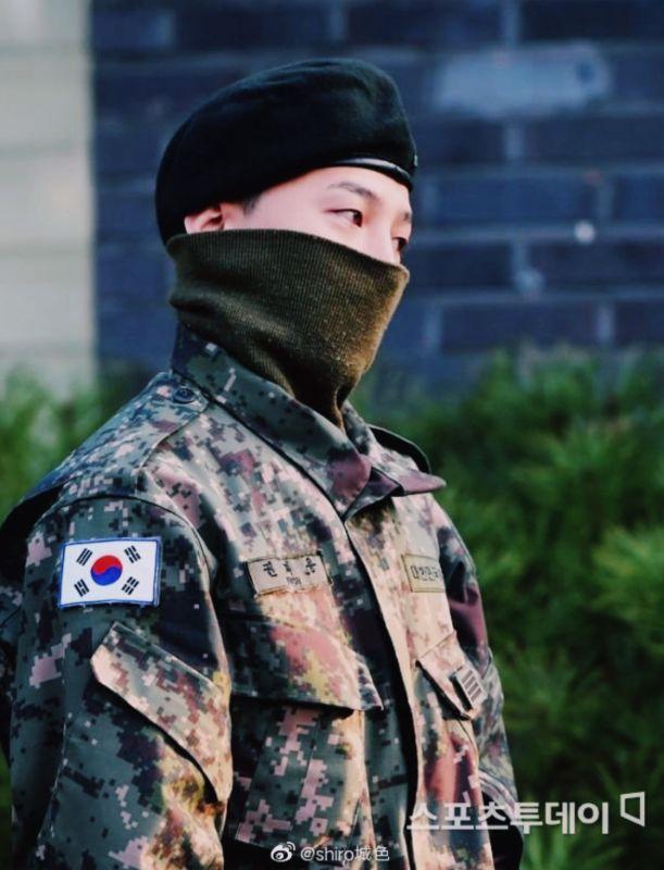 G-Dragon แฟชั่น ทหาร เข้ากรม