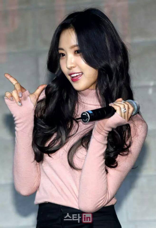 รูปเผลอ ไอดอลสาว บันเทิงเกาหลี นักร้องสาว Naeun สวยธรรมชาติ A-Pink