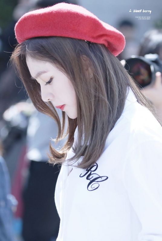 สวย ไอดอล Irene วง Red Velvet ไอรีน เรดเวลเวท sm อันดับ ลีดเดอร์ ข่าว วันนี้ kpop