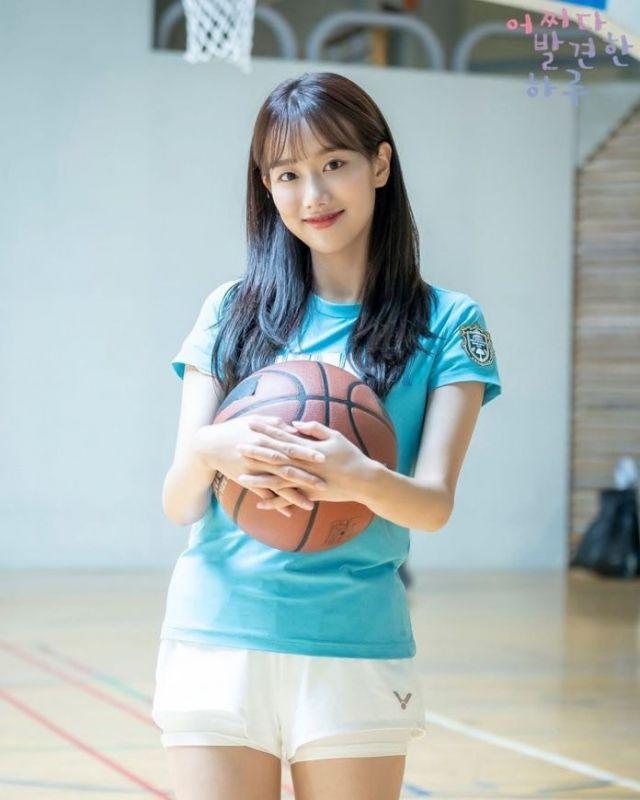 ไอดอล เกาหลี ดาวรุ่ง Kim Hye Yoon Rowoon Naeun