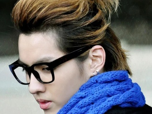 ผมยาวของ Kris Wu
