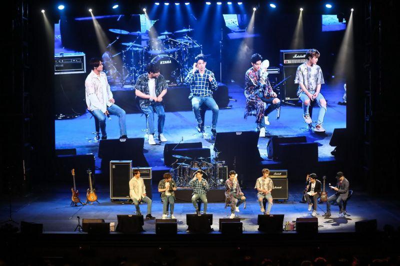 N Flying N Fia มีตติ้ง คอนเสิร์ต ไทย ครั้งแรก