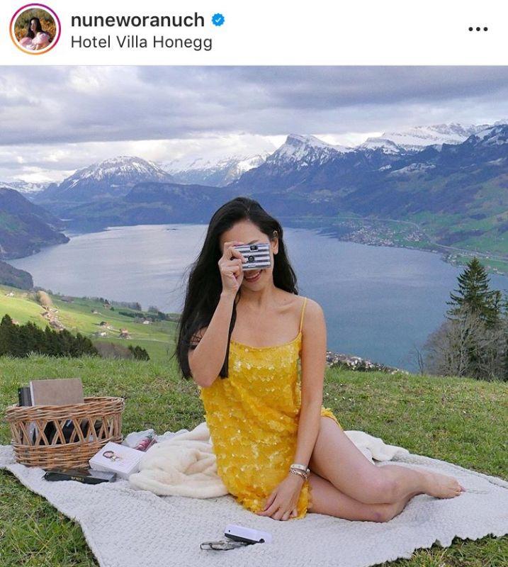 นุ่น วรนุช กล้องถ่ายรูป ชุดสีเหลือง แซ่บมาก