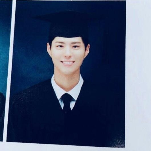บัณฑิต Park Bo Gumเรียนจบ