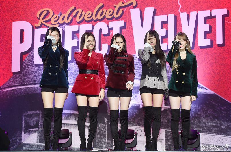 SM หุ่นยนต์ K Pop EXO Red Velvet