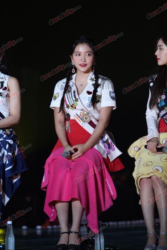 Red Velvet #RedVelVet_REDMAREinBKK #WelcomeNongCakeToThailand