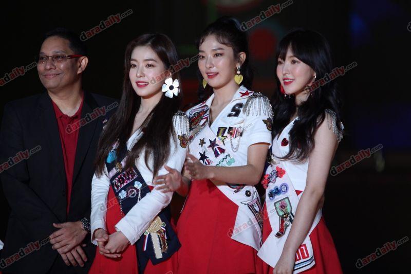 Red Velvet #RedVelVet_REDMAREinBKK