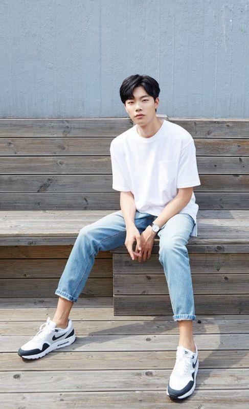 Hyeri RyuJoon Yeol Monstrum แฟน คบ