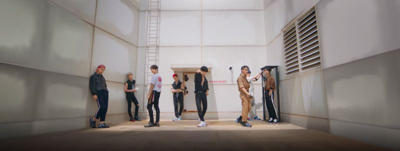 Stray Kids Back Door