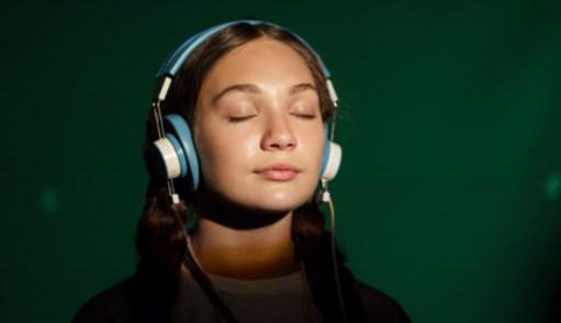 MUSIC มิวสิก