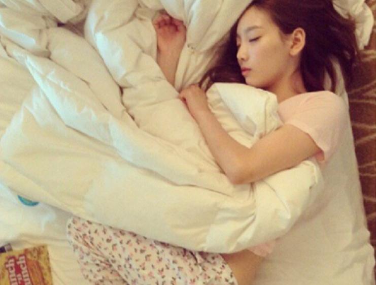 ไอดอล เกาหลี บันเทิง ศิลปิน ดารา K-Pop ชอบนอน พักผ่อน
