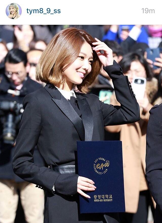 #HappySooRiGraduationDay งานรับปริญญา Yuri Sooyoung บันเทิง ศิลปิน ไอดอลสาว เกาหลี SNSD