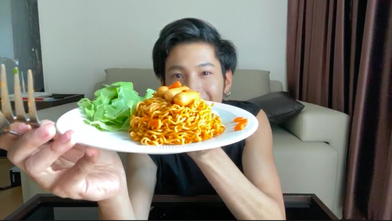 #LiveAtLunchxSingto สิงโต ทำอาหาร