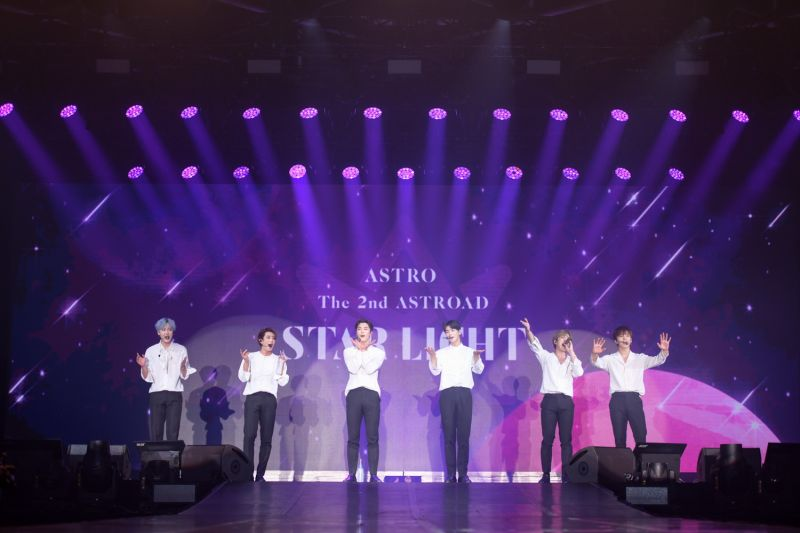 ASTRO held nearly 3 hours with its first concert in Thailand