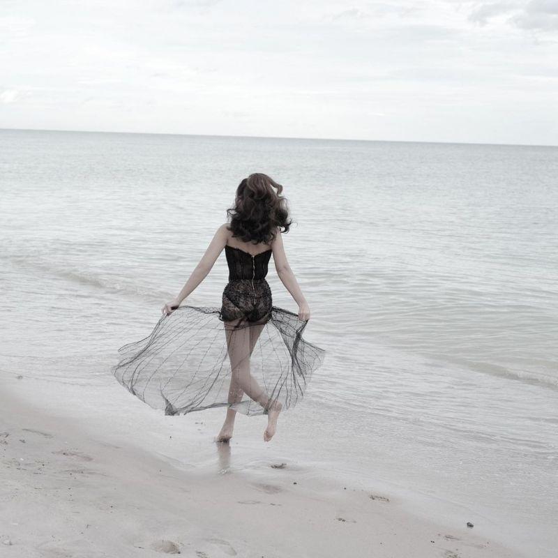 บี น้ำทิพย์ นักแสดง ดารา แฟชั่น ทะเล นางแบบ