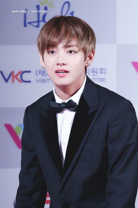ต้องคนนี้เลย Kim Woo Seok V วง BTS ดูดีที่สุด
