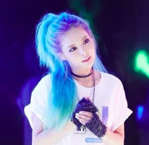 ไอดอล เกาหลี K-pop สีผม สีน้ำเงิน