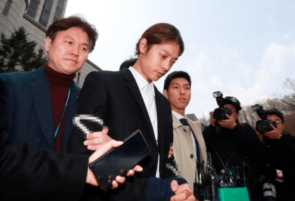 jung joon young ถูกจับ คลิปฉาว ทำผิด kpop idol