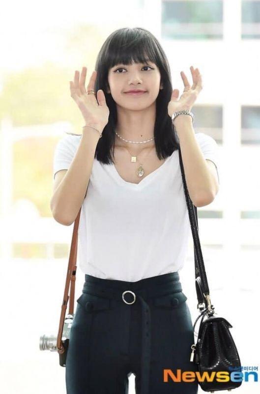 ลิซ่า BLACKPINK กลับไทย ผม สีผม สีดำ