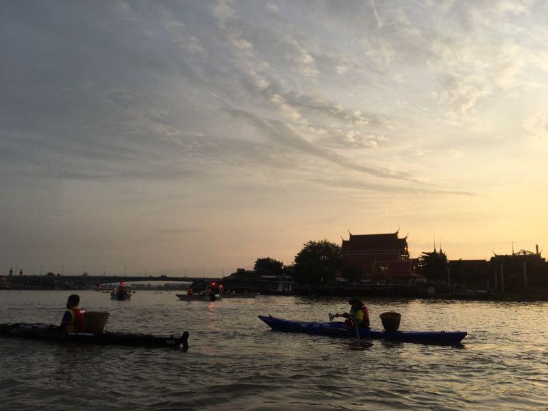 โตโน่ พายเรือ คายัค เก็บขยะ แม่น้ำ เจ้าพระยา