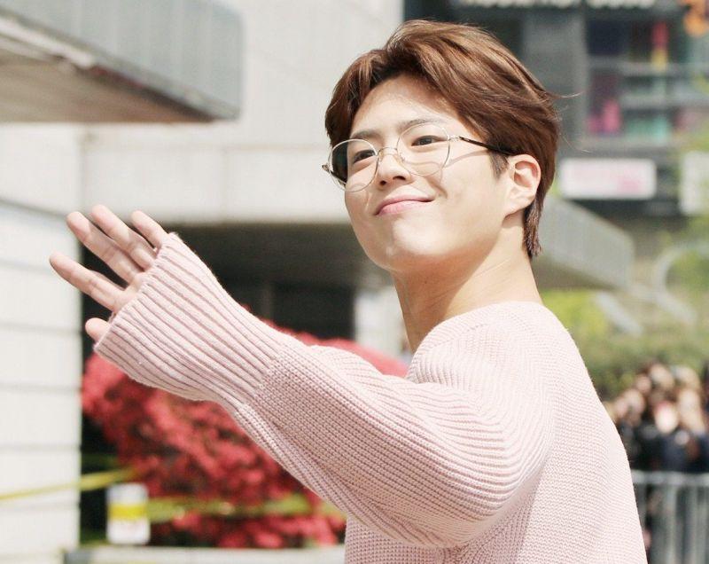 เหตุผล Park Bo Gum โบกอม เซ็นสัญญา ค่ายดัง ไอดอล SM Entertainment ดารา ข่าว วันนี้ เกาหลี