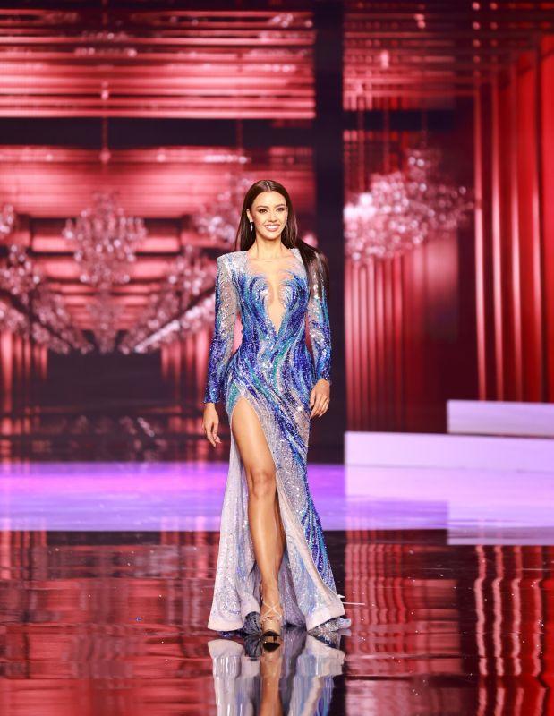 ฟ้าใส  อเเเมนด้า Miss Universe 2020
