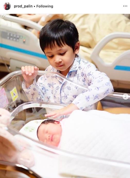เป้ย ลูก น้องโปรด น้องปาลิน ป็อป นิธิ เกิด