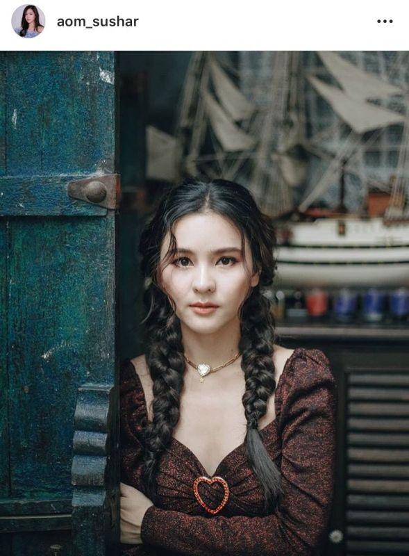 พิธีกร สตรอเบอรี่ชีสเค้ก นักแสดงสาว