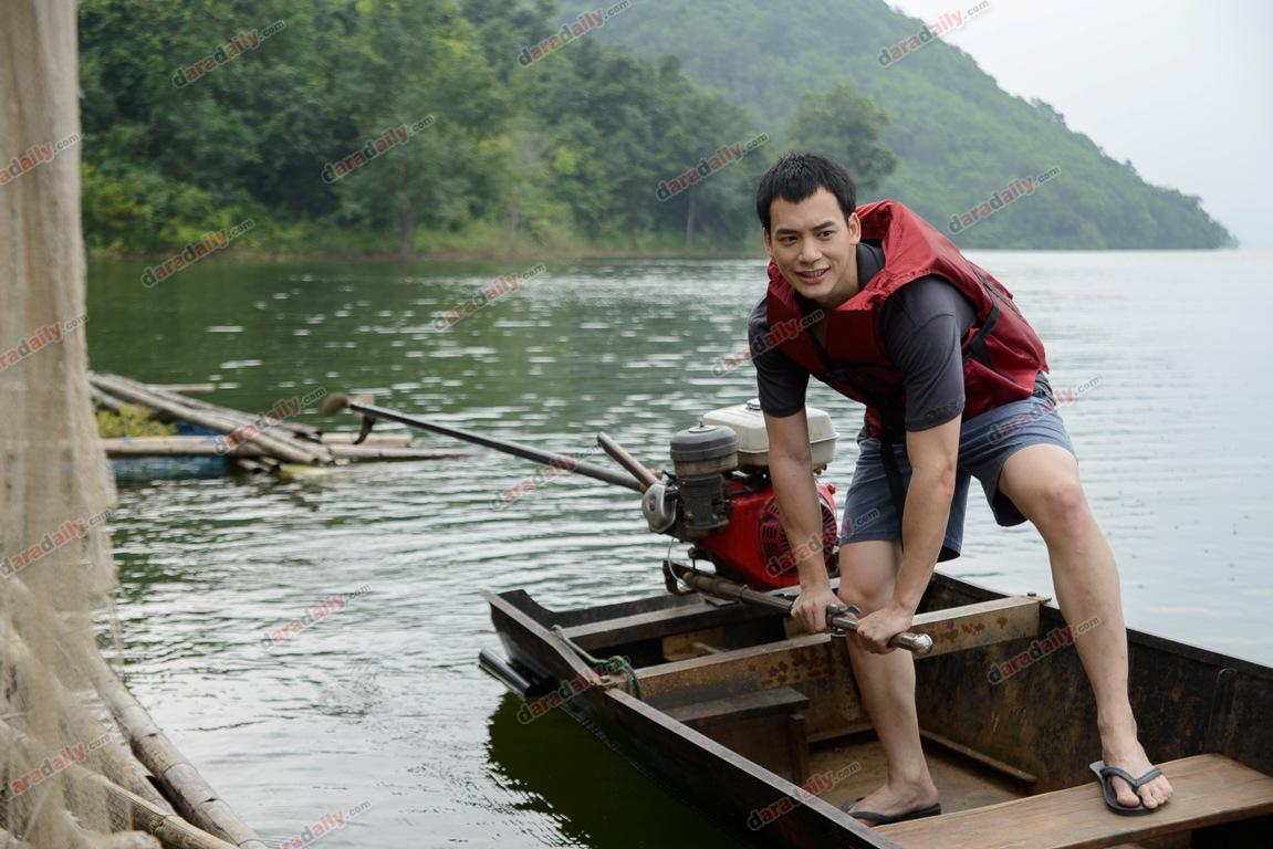 """""""พลอย-บี้"""" ผนึกกำลังเรียนขับเรือหางยาว เพื่อความโรแมนติกในหนังรัก """"คิดถึงวิทยา"""""""
