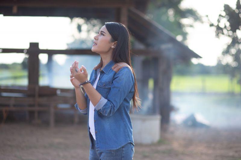 เวียง นฤมล นักร้องลูกทุ่ง เพลง แกรมมี่โกลด์