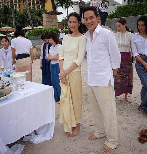 ข่าวฮอตประจำปี 2558 แต่งงาน บันเทิง นักแสดง ศิลปิน ดารา ฉลองวิวาห์